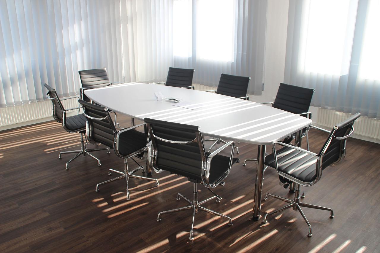 Gabinet naszą wizytówką. Meble gabinetowe: leasing mebli biurowych w Warszawie